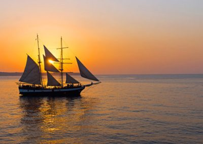 Caldera and Oia Sunset Cruise